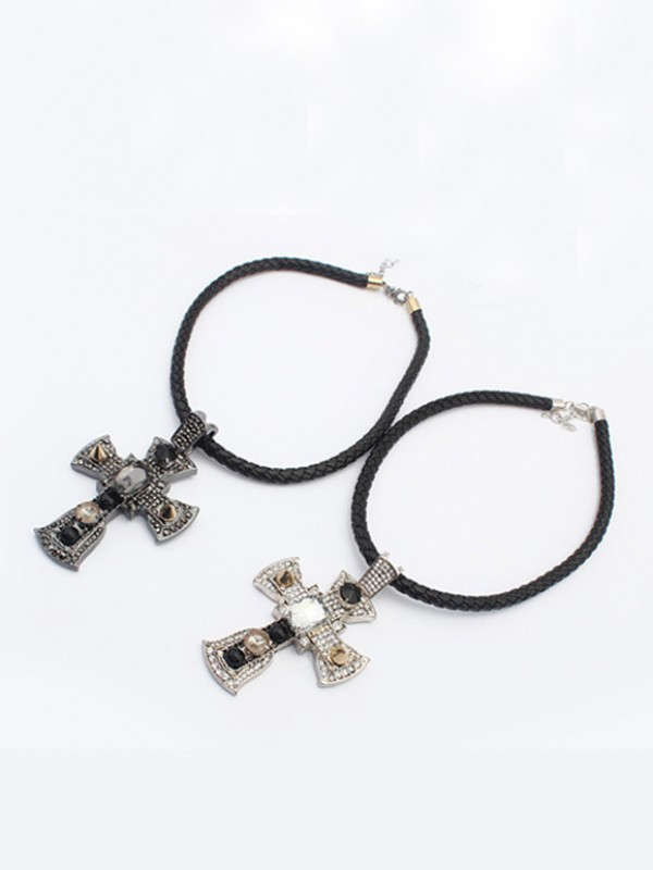 Occident Punk Retro Cross Vente chaude Colliers